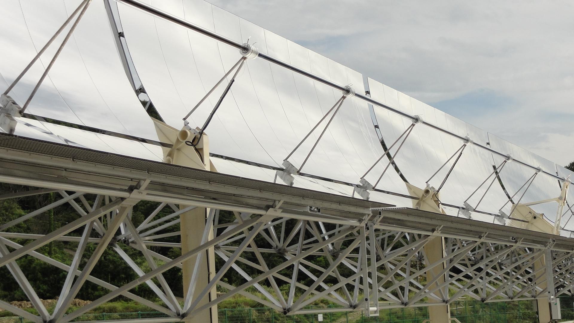 大型太陽熱集熱装置